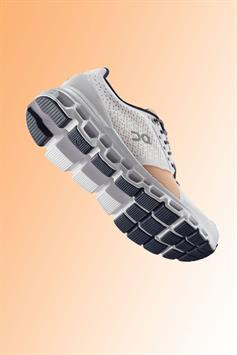 on running dames runningschoenen cloudstratus 29.99771
